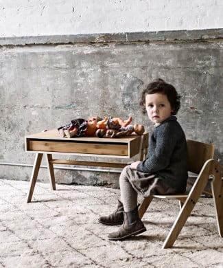Skrivebord og stol til børneværelset på i love eco home